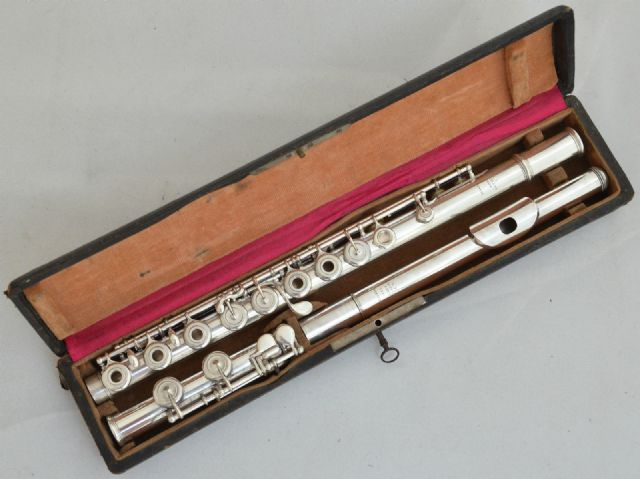 L.L. Louis Lot Paris No.3210 Sterling Silver Flute